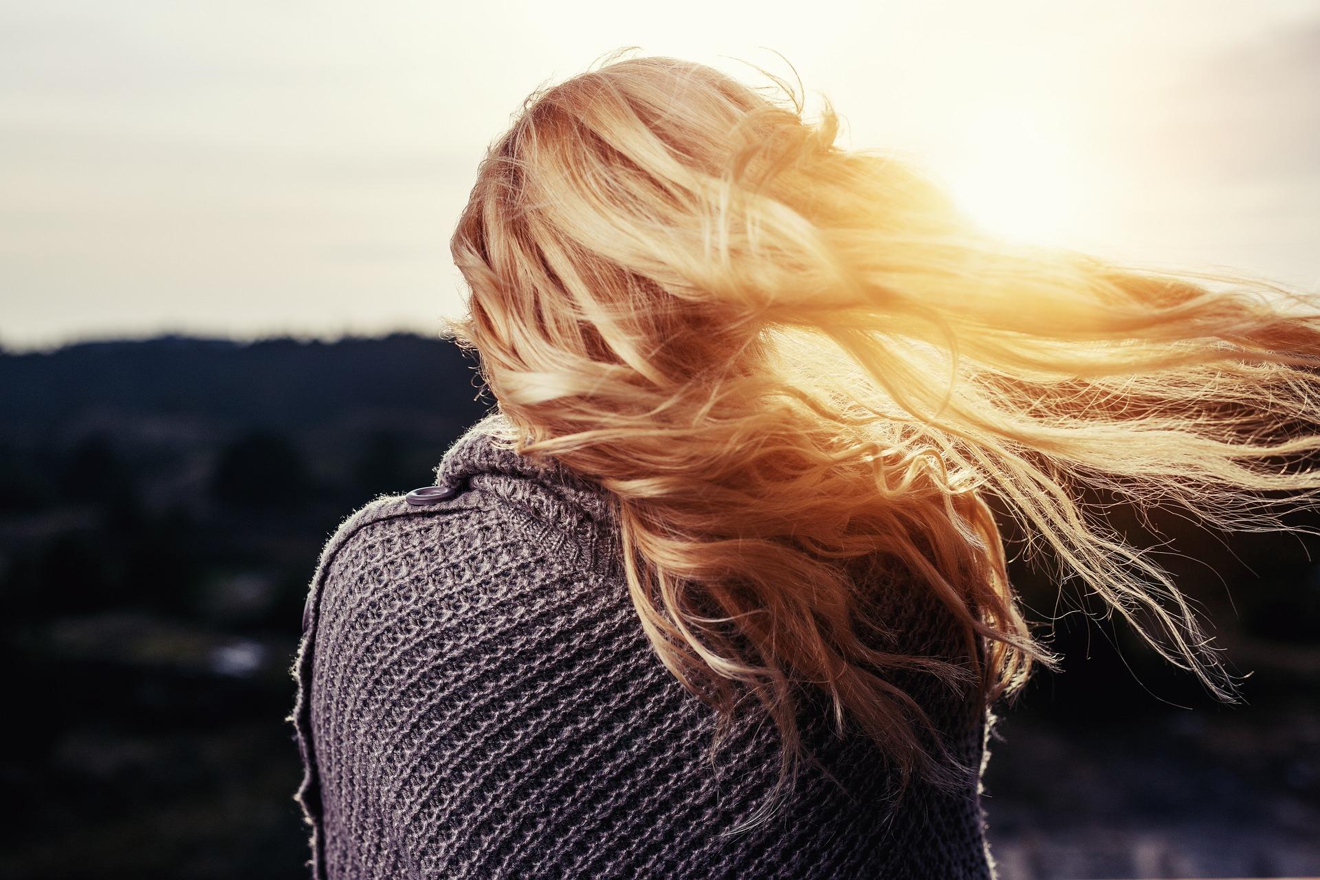 Jak polubić samotność pixabay girl-1246525_1920