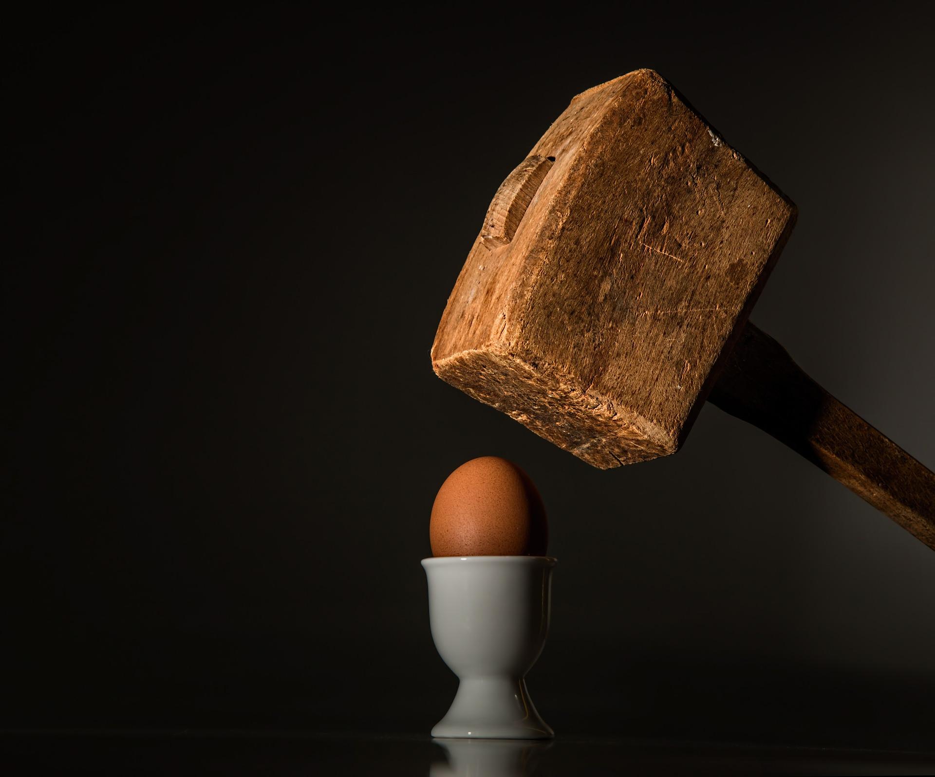 gdy ktoś cię atakuje pixabay egg-583163_1920